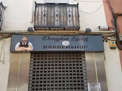 rotulo-vinilo-barbershop-impresiondigital-vinilo impreso